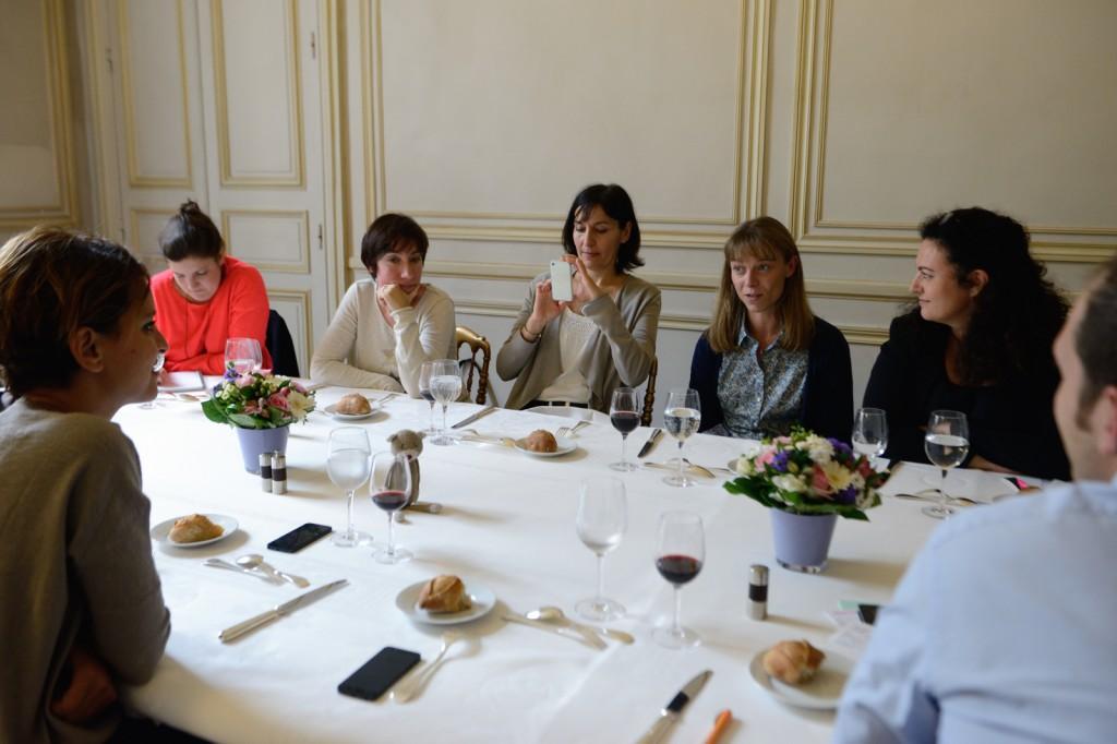 Najat Vallaud-Belkacem rencontre avec les créatrices d'entreprise du fait main