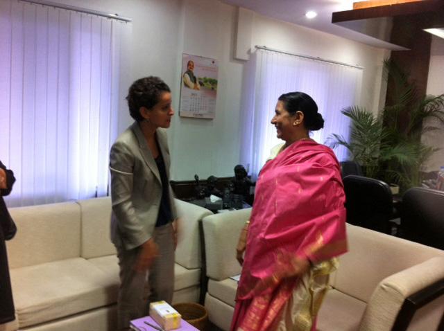 Najat Vallaud-Belkacem avec Krishna Tirath, ministre des femmes et des enfants - Web
