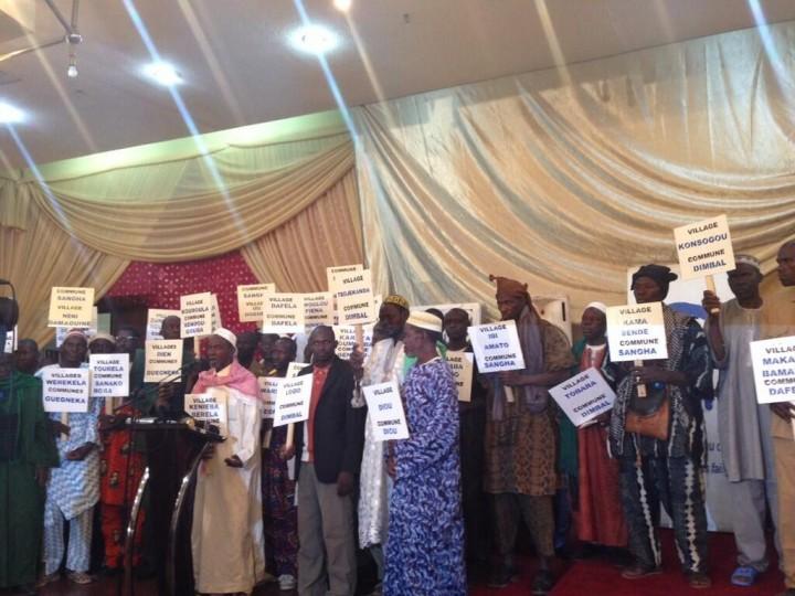 Najat Vallaud-Belkacem à Bamako avec 45 Maires et chefs de villages contre l'Excision