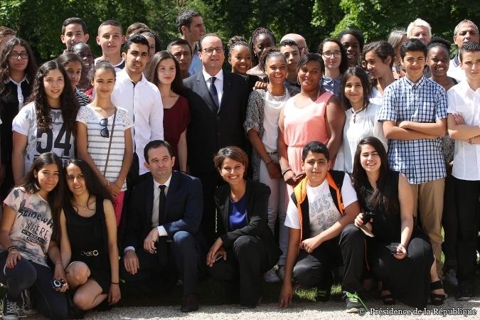 20140715-NajatVB-Elysee-Lauréats-Brevet-Colleges