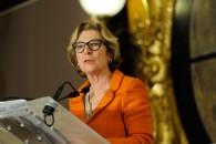 Ma plus grande solidarité et mes meilleurs vœux de prompt rétablissement à Geneviève Fioraso