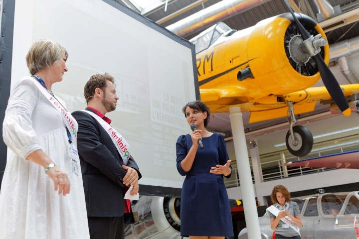 Déplacement de la ministre Najat VALLAUD-BELKACEM, au 51e salon international de l'Aéronautique et de l'Espace de Paris, au Bourget, le mardi 16 juin 2015 - © Philippe DEVERNAY