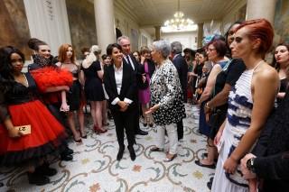 Défilé des lycées de la mode de l'Académie de Paris en présence de la ministre Najat VALLAUD-BELKACEM, en Sorbonne - Paris, le mercredi 24 juin 2015 - © Philippe DEVERNAY