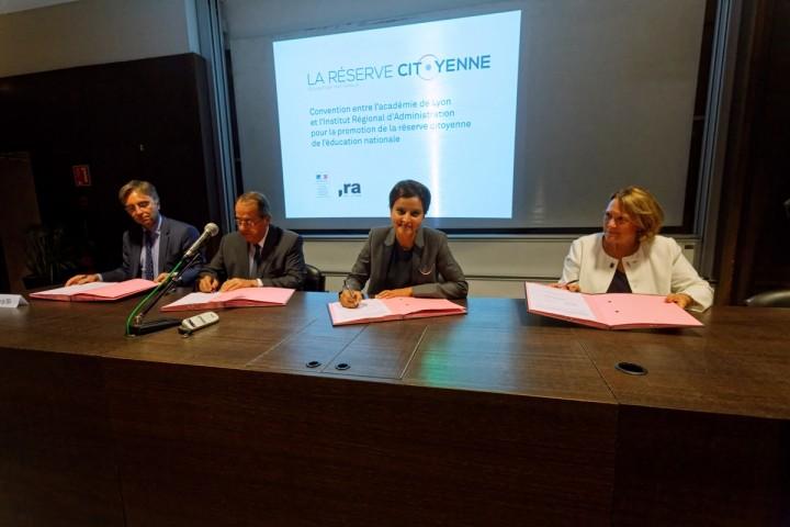 Déplacement de Najat VALLAUD-BELKACEM pour le lancement de l'année des 30 ans du Bac pro Et pour la promotion  de la réserve citoyenne de l'éducation nationale, à Lyon et Villeurbanne - 69, le vendredi 4 septembre 2015 - © Philippe DEVERNAY