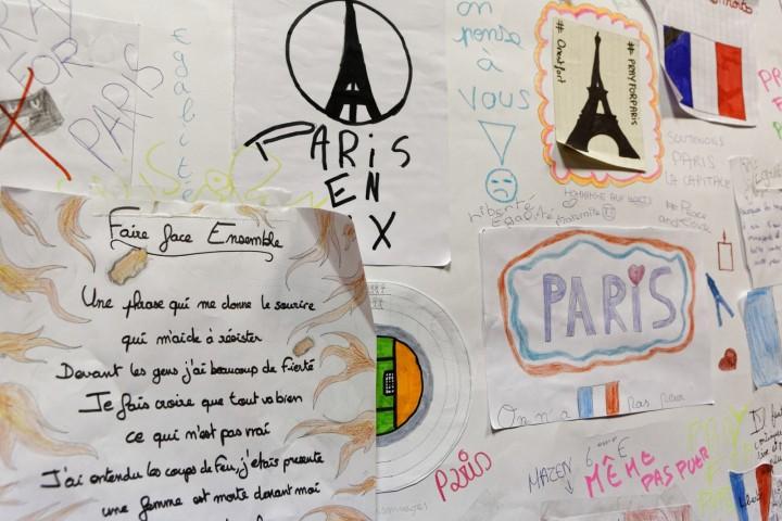 Déplacement de la ministre Najat VALLAUD-BELKACEM, dans le cadre de la première journée de la Laïcité, en présence de Jean-Louis BIANCO, au collège Henri Matisse -75020 Paris, le mercredi 9 décembre 2015 - © Philippe DEVERNAY