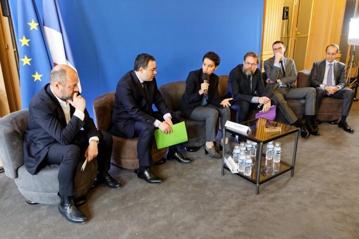 Lancement par la ministre Najat VALLAUD-BELKACEM, d'une plateforme en ligne d'accès à la presse depuis les établissements scolaires, au Ministère de l' É ducation nationale, le mardi 22 mars 2016 - © Philippe DEVERNAY