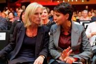 Najat Vallaud-Belkacem et Ségolène Neuville se mobilisent pour la scolarisation des jeunes enfants autistes
