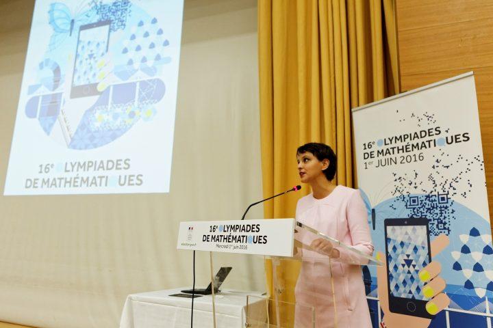 Participation de la ministre Najat VALLAUD-BELKACEM, aux Olympiades de mathématiques , au Ministère de l'Enseignement supérieur - Descartes, le mercredi 1er juin 2016 - © Philippe DEVERNAY