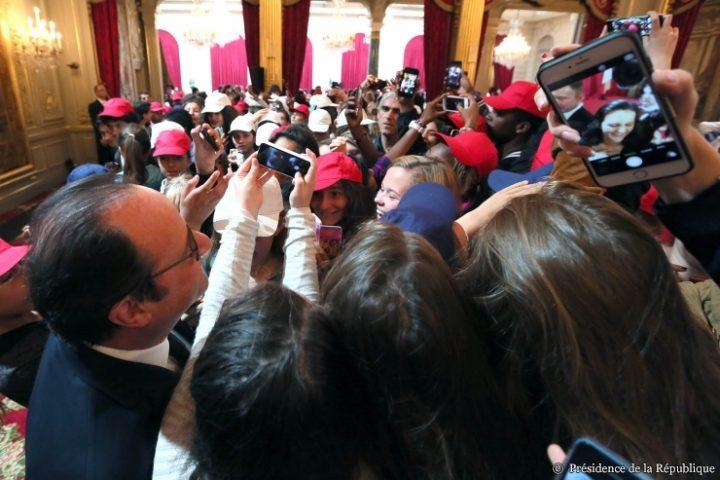 20160712-Francois-Hollande-Marseillaise-Selfies