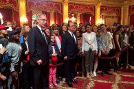 Cérémonies du 14 Juillet : une chorale scolaire de plus de 450 élèves interprète l'hymne national