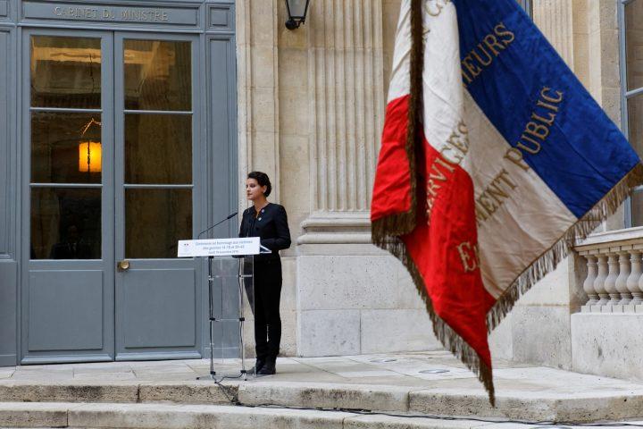 Participation de la ministre Najat VALLAUD-BELKACEM, à la cérémonie du 11 novembre en hommage aux personnels de l'Education nationale morts pour la France, au Ministère de l'Éducation nationale, le jeudi 10 novembre 2016 - © Philippe DEVERNAY